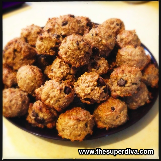 Foodie Monday:  Oatmeal Coconut Banana Walnut Chocolate Chip Cookies